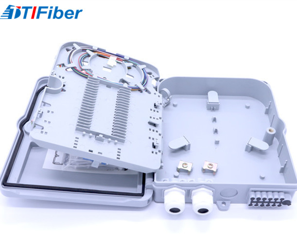 Wall Mounted Fiber Optic Distribution Box 1X16 With SC Adapter Splitter / Pigtails